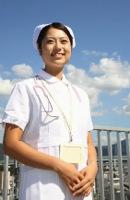看護師として働く女性のイメージ写真