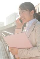 求人に応募する女性のイメージ写真